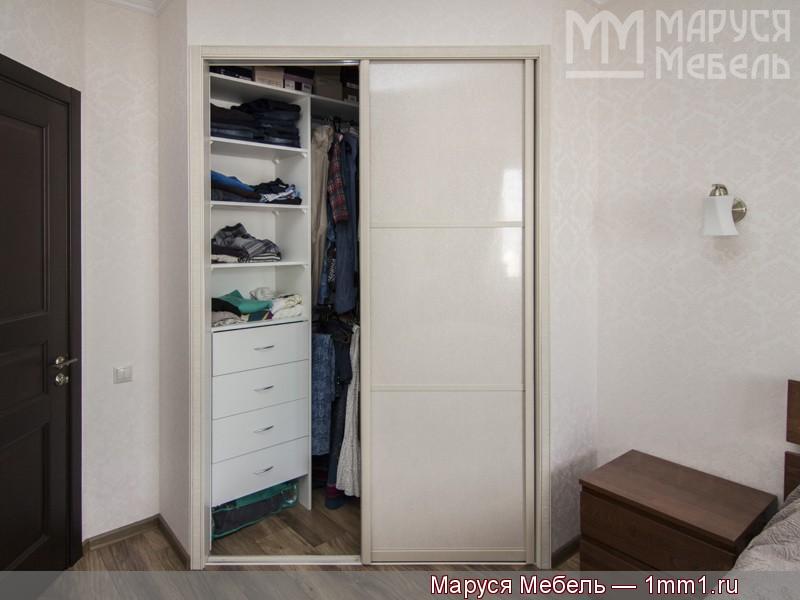 угловой шкаф купе в спальню фабрика маруся мебель